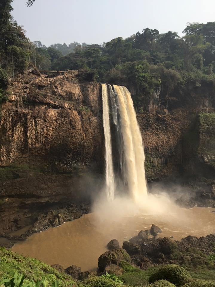 Ekom Nkam, Kamerun 5